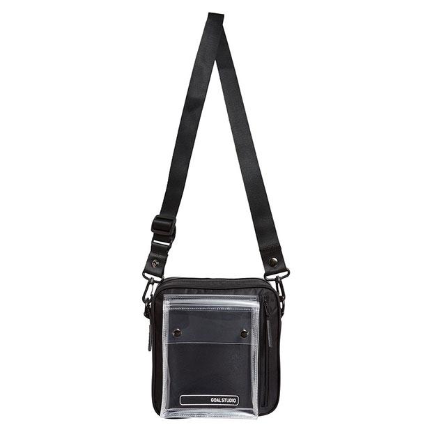 ロゴワッペン スモールスクウェアショルダーバッグ  g20xum2bg03-blk ブラック